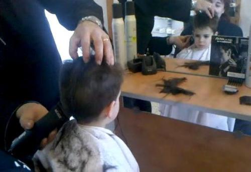 Cortar el cabello con maquina lo dana