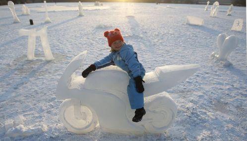 Esculturas de hielo durante la ola de frío