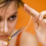 Formas de evitar las horquillas del cabello