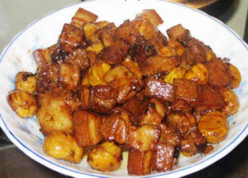Sabores de Granada – Estofado de cerdo con castañas
