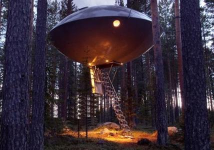 Tree Hotel – Suspendido en la Naturaleza