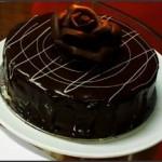 Pastel de chocolate y nueces